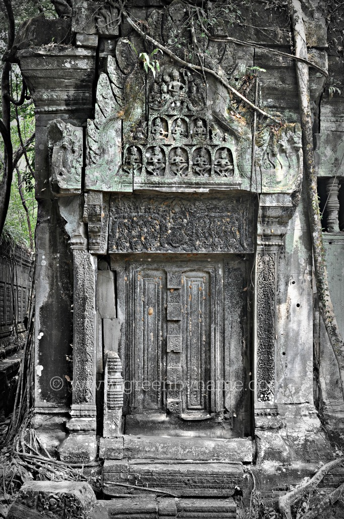 beng-melea-cambodia-door-way-angkor-mystery-photography-tour-travel-tori-green-by-name-CR